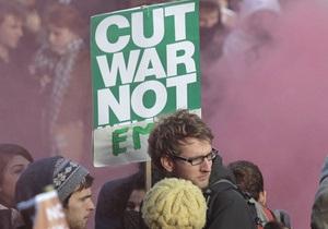 Тысячи британцев попадут под сокращение из-за стремления финкомпаний сократить расходы