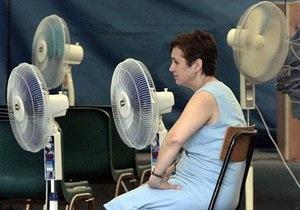 В Москве в разгар жары включили отопление
