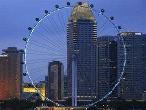 На высочайшем в мире колесе обозрения в Сингапуре застряли более 170 человек