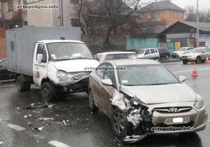 В Киеве автозак попал в ДТП