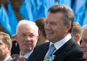 Янукович поручил Азарову сократить расходы на парад в честь 20-летия Независимости