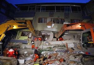 Число жертв землетрясения в Турции возросло до 366