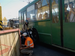 В Кривом Роге троллейбус врезался в электроопору: пострадало 14 человек