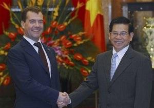 Медведев посетил Вьетнам