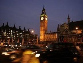 Великобритания увеличивает плату за визы