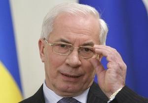 Азаров заявил, что предприятия ТКЭ должны до конца года погасить долги за газ