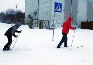 снег в киеве - пробки - ситуация на дорогах: В Киеве восстановлено движение городской электрички