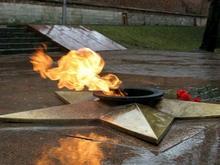 Гревшийся голым у Вечного огня белорус помещен в психбольницу