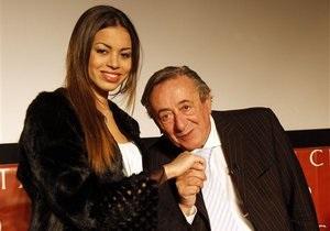 Марокканка, из-за которой Берлускони предстанет перед судом, побывала на Венском балу