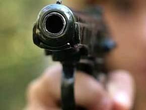 В Запорожской области парень из-за девушки расстрелял двух человек