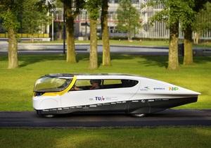 Голландцы создали первый в мире семейный автомобиль на солнечных батареях