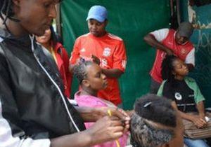 Жители ЮАР прячут волосы от  похитителей дредов