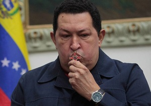 Кастро встретил Чавеса в аэропорту Гаваны, куда венесуэльский лидер прибыл на лечение