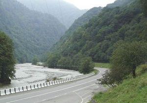В Южной Осетии автобус упал в пропасть: 11 погибших