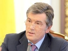 Представителей Ющенко не пускают в здание суда. На подмогу прибыл Беркут