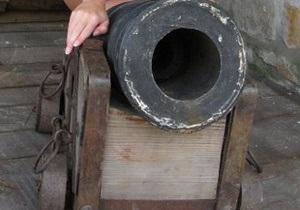 В Хмельницкой области из музея похитили пушку ХVII века