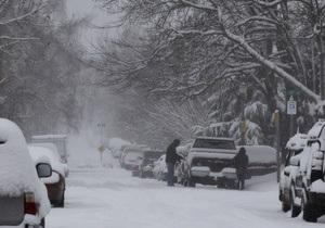 Сильнейшая снеговая буря в США: есть погибшие, 275 тысяч человек остались без света