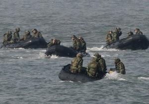 На месте крушения южнокорейского корабля погиб спасатель