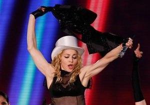 СМИ: Мадонна арендовала Константиновский дворец в Санкт-Петербурге