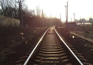В Донецкой области из-за столкновения поездов семь грузовых вагонов сошли с рельсов