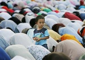 Опрос: Более 40% американцев негативно относятся к мусульманам