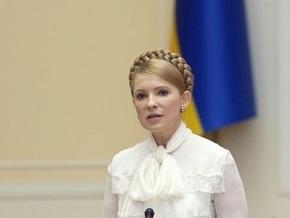 Тимошенко уверена, что если бы она не вмешалась, то курс мог достигнуть 12 гривен за доллар