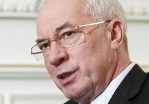 Азаров поздравил военнослужащих, ветеранов и работников воздушных сил с праздником