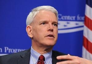 Экс-посол США призвал не помогать Украине и избегать встреч с властями страны