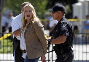 Актрису Дэрил Ханну арестовали за участие в митинге у Белого дома