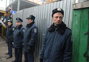 Суд признал незаконной продажу Киевсоветом земучастка над метро Театральная