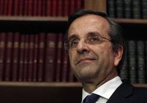 Премьер Греции перенес операцию, министр финансов - в больнице