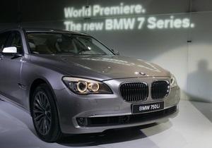 На автосалоне в Детройте угнали BMW