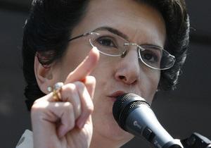 Бурджанадзе  обвинила грузинскую оппозицию в отсутствии взаимной поддержки