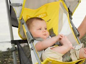 Maclaren отзывает миллион колясок, которые приводят к ампутации пальцев у детей