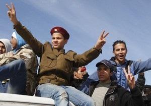 Новые власти Ливии объявили двухдневное перемирие в родном городе Каддафи