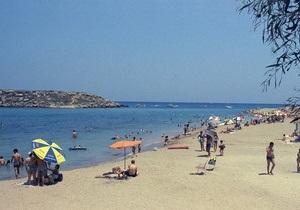 S&P понизило рейтинг Кипра на три ступени до В
