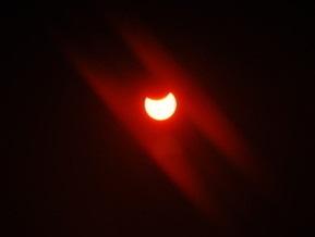 Завтрашнее солнечное затмение может повредить некоторым людям