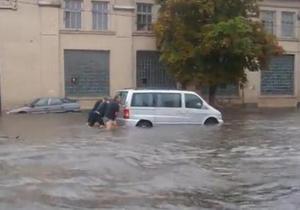 СМИ: Киевскую Куреневку затопила подземная река
