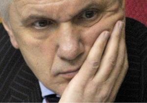 Литвин выступает против вливания своей партии в ПР