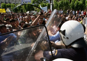 План спасения Греции грозит удушьем экономике страны - газета