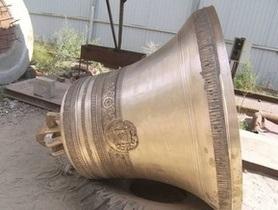На кафедральном соборе в Одессе установили четыре новых колокола