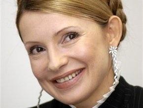 Тимошенко просит меценатов возвращать в Украину национальные реликвии