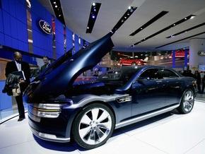 Продажи автомобилей в США в октябре 2008 упали до 25-летнего минимума
