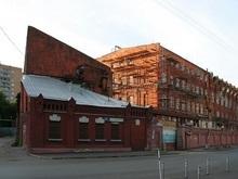 В одном из зданий в центре Москвы прогремело два взрыва ( обновлено)