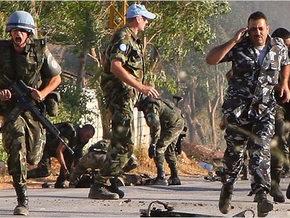 В Ливане толпа сторонников Хизбалла забросала камнями миротворцев ООН: 14 раненых