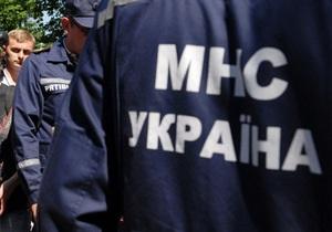 В Чернигове рабочий погиб, упав в вагон с сухим цементом