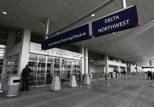 Голландская полиция оштрафовала на 700 евро нетрезвого американского пилота
