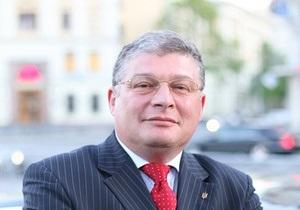 Червоненко: Янукович сможет долетать из Межгорья на работу за шесть минут