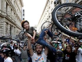 В Брюсселе сегодня проводят День без автомобиля