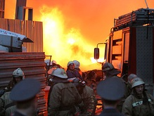 В центре Москвы горит бывший торговый дом Третьяковых